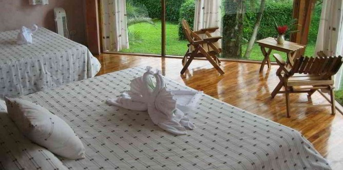Tenorio Lodge Schlafzimmer mit Kingsize Betten