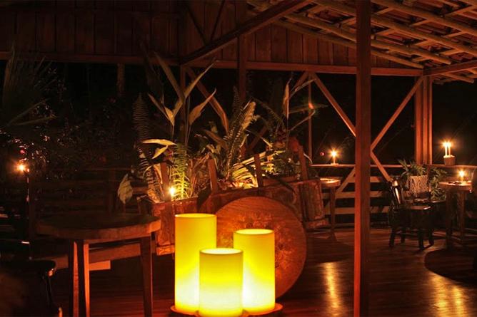 Selva Bananito Lodge – Rancho-Restaurant abends