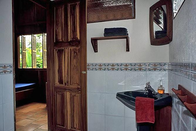 Selva Bananito Lodge – Superior Cabin: Badezimmer