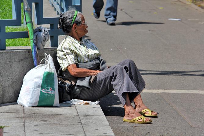Alte Frau in San José