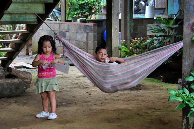 Kibnder in Boca Tapada