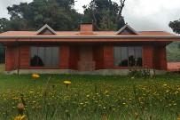Albergue-Pozo-Verde-Kaminzimmer-Gebäude