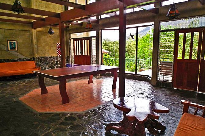 Arenal Observatory Lodge – Tischtennisplatte