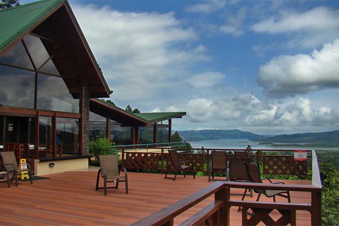 Arenal Observatory – Restaurantterrasse