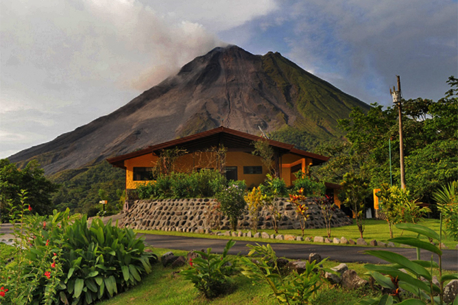 Arenal Observatory Lodge – White Hawk