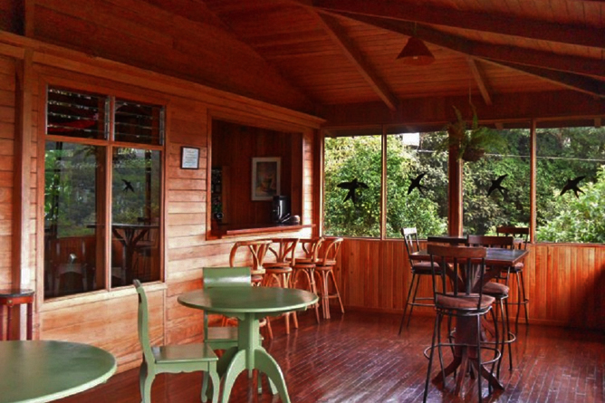 Monteverde Cloud Forest Lodge: Lobby & Bar