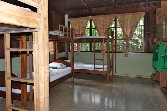 Biologische Station Bungalow Zimmer Iguanas Stockbetten