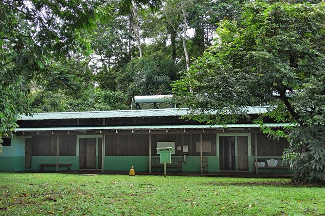 Biologische Station Bungalow Zimmer Iguana Gebäude