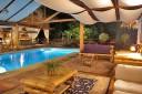 Bugabutik Bar am Swimming Pool