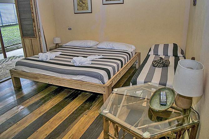 Bugabutik Standard Zimmer Doppel und Einzelbett