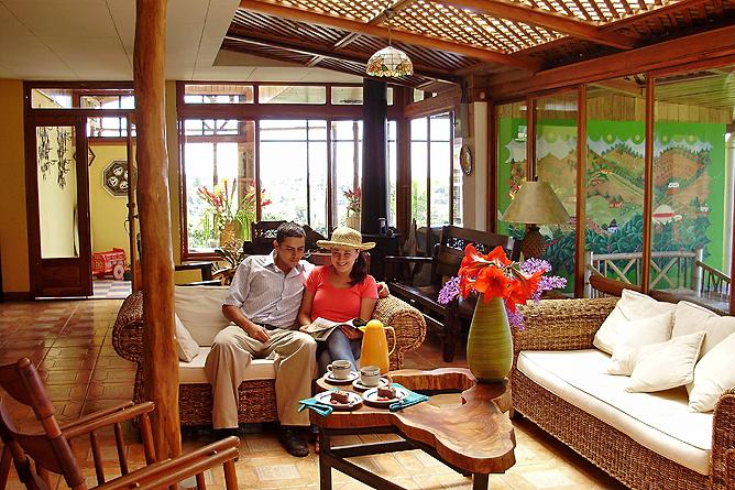 Guayabo Lodge – Lobby