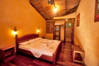 King-Bett-Laguna-Lodge-Tortuguero