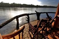 Panoramadeck-an-der-Lagune-vor-der-Laguna-Lodge-Tortuguero