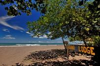 Strand-Laguna-Lodge-Tortuguero