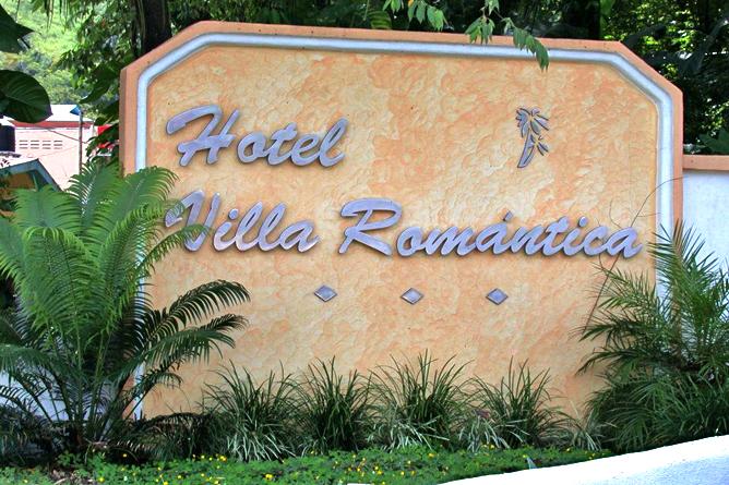 Villa Romantica – Einfahrt