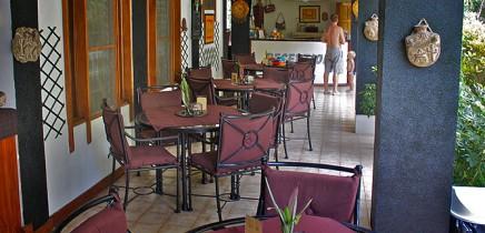 Villa-Romantica-Frühstücksterrasse