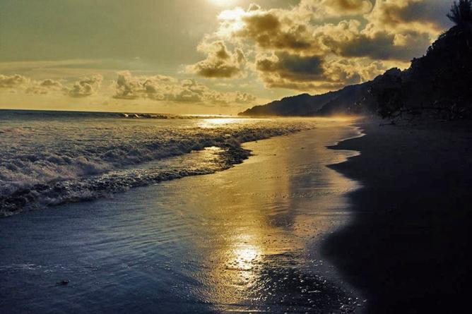 La Leona Lodge Sonnenuntergang am Strand