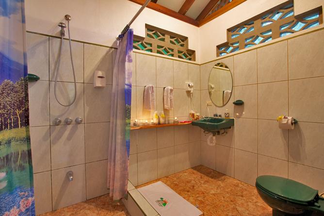 Suizo Loco Lodge Badezimmer