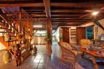 Suizo Loco Lodge Rezeption