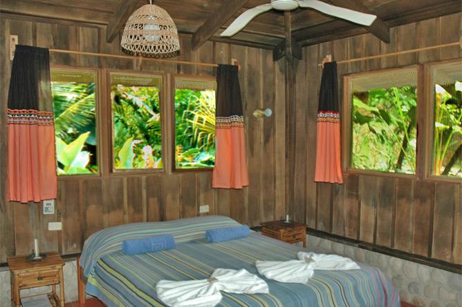 esquina_rainforest-room3