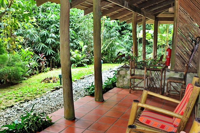esquina_rainforest-room_porch