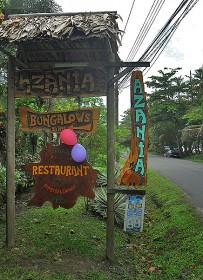 Azania-Einfahrt-von-Küstenstraße