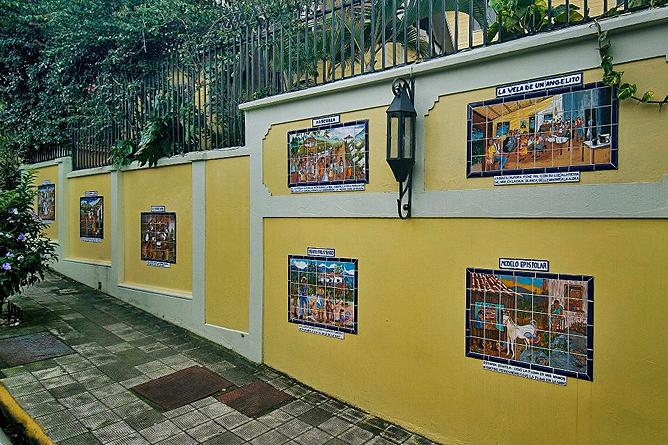 Don Carlos – Barrio Amón: historische Keramikbemalungen