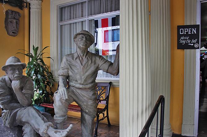 Don Carlos - Bronzestatue