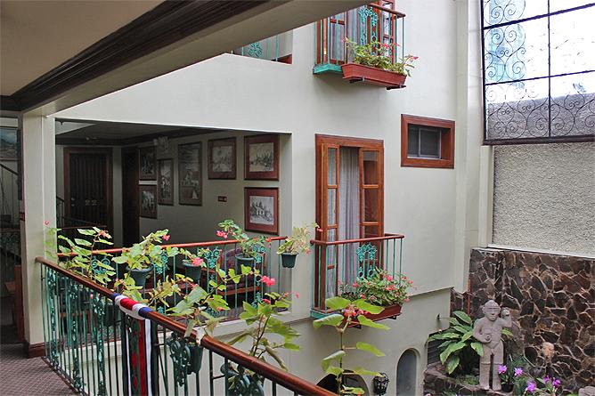 Don Carlos – Korridor-Zimmer im ersten Stock