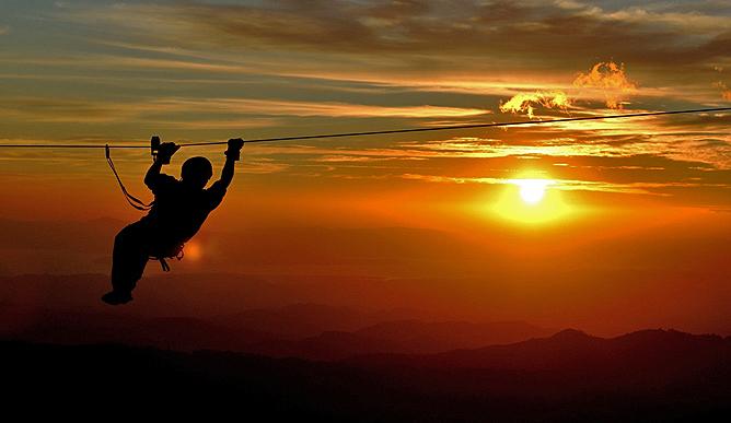 El Establo – Canopy bei Sonnenuntergang