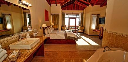 El-Establo-Honeymoon-Suite