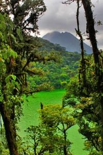 Green-Lagoon-ANC-Park-Sicht-auf-Lagune-und-Vulkan