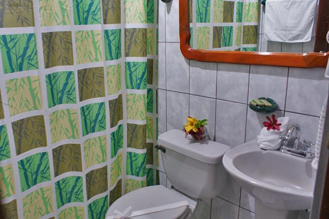 Green Lagoon – Superior-Zimmer: Badezimmer