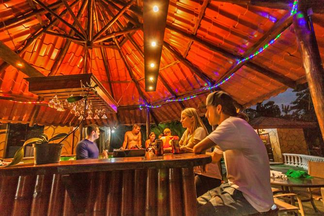 Green Lagoon – Tikki-Bar: Grill