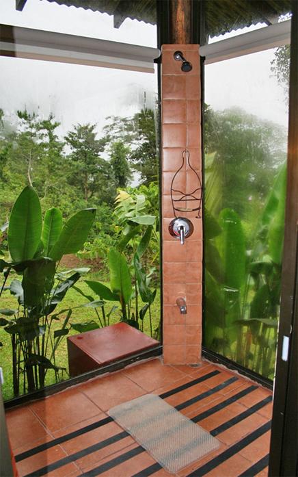 Green Lagoon – Villa: Dusche mit Glaswänden