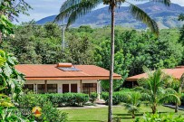 Hacienda-Guachipelin-Bungalows