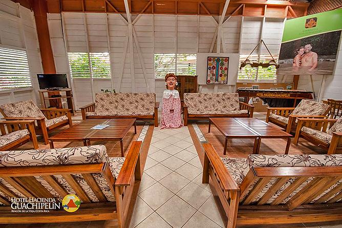 Hacienda Guachipelin – Lounge