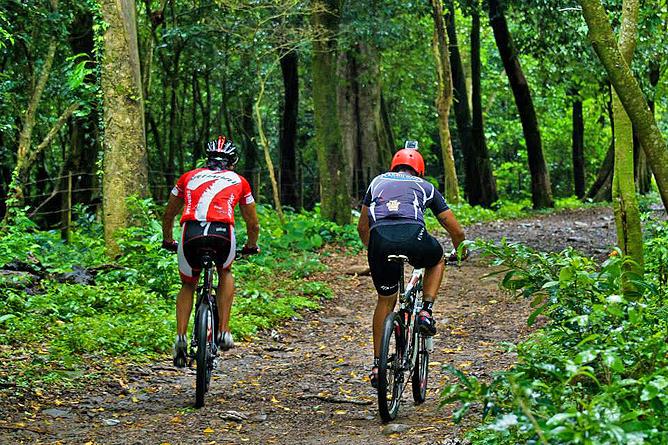 Hacienda Guachipelin – Mountainbiking