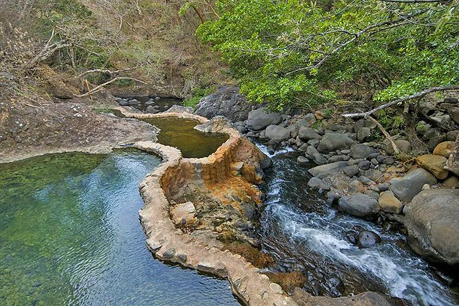 Hacienda Guachipelin – Spa: Thermalpools
