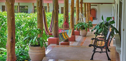 Hacienda-Guachipelin-Superior-Zimmer-Korridor