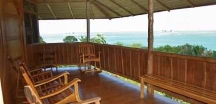 La-Cusinga-Ecolodge-terraza