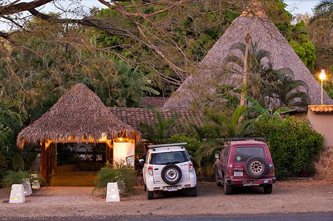 Pasatiempo Parkplatz vor dem Hotel
