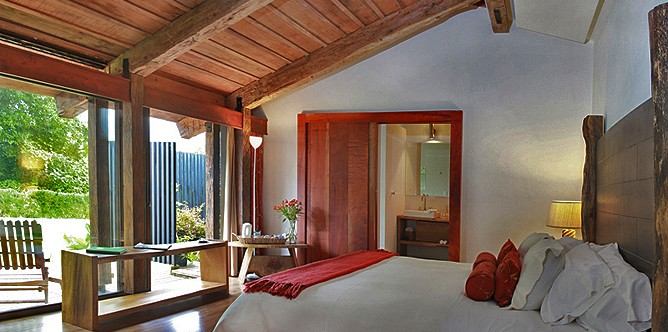 Poas-Volcano-Lodge-Deluxe-King-Suite-Toucanet