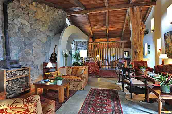 Poas Volcano Lodge – Lounge