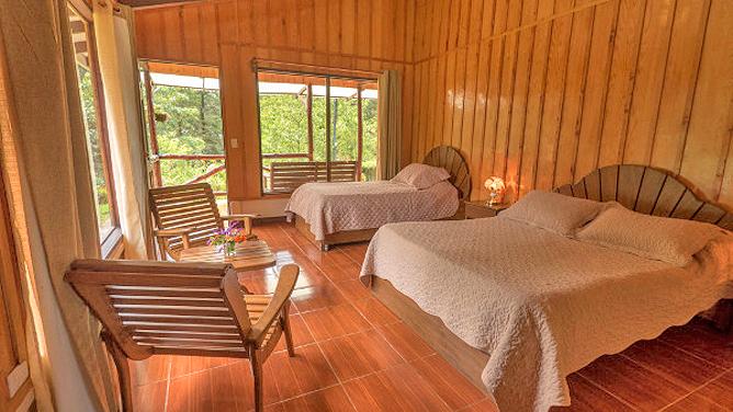 Suria Lodge Standard Zimmer