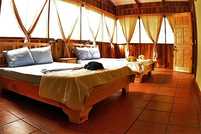 Turtle Beach Lodge – Gästezimmer mit Doppelbetten