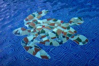 Turtle-Beach-Swimmingpool-Mosaik