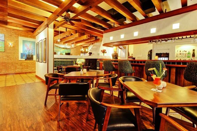 Bougainvillea – Bar und Restaurant