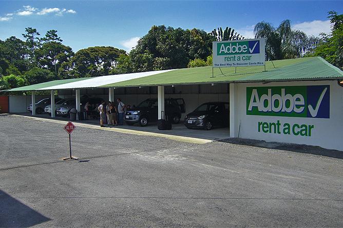 Río Blanco Tankstelle mit Adobe-Übergabestelle