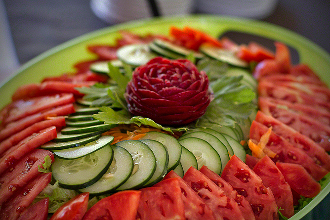 Finca Luna Nueva – Restaurant: Gartenfrische Salate